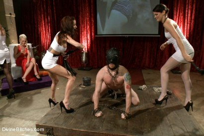 Lorelei Lee's LIVE and PUBLIC 10th Anniversary FemDom Bash!