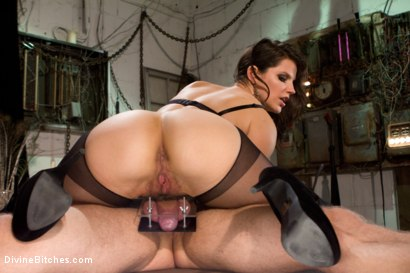 Danny Wylde gets his prostate milked by Bobbi Starr!