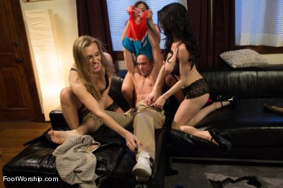 Photo number 3 from 3 Legendary MILF Superstars and the Pizza Boy! shot for Foot Worship on Kink.com. Featuring Francesca Le , Logan Pierce, Veronica Avluv and Tanya Tate in hardcore BDSM & Fetish porn.