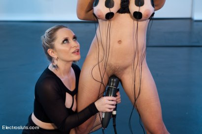 Photo number 4 from Electrosex Fucking shot for Electro Sluts on Kink.com. Featuring Aiden Starr and Raven Rocket in hardcore BDSM & Fetish porn.