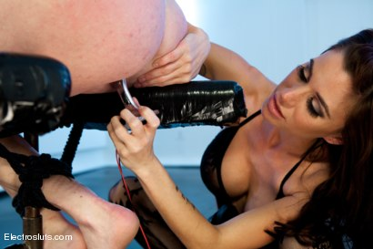 Photo number 7 from Audrey Hollander- anal queen and Electroslut extraordinair in her final explosive challenge shot for Electro Sluts on Kink.com. Featuring Gia DiMarco and Audrey Hollander in hardcore BDSM & Fetish porn.