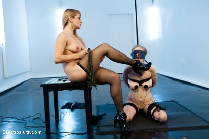 Photo number 3 from Sweet Worship has Never been so Sharp shot for Electro Sluts on Kink.com. Featuring Penny Pax and Lea Lexis in hardcore BDSM & Fetish porn.