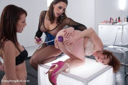 Photo number 6 from Anal White Room shot for Everything Butt on Kink.com. Featuring Chanel Preston, Audrey Hollander and Alisha Adams in hardcore BDSM & Fetish porn.