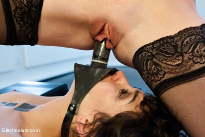 Photo number 7 from Last Chance for Hair! shot for Electro Sluts on Kink.com. Featuring Lorelei Lee and Bianca Stone in hardcore BDSM & Fetish porn.
