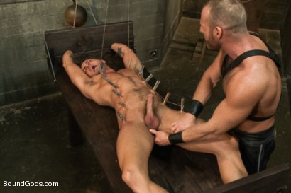Photo number 11 from Jessie Colter welcomes Alan Ladd the new master of the house shot for Bound Gods on Kink.com. Featuring Alan Ladd and Jessie Colter in hardcore BDSM & Fetish porn.