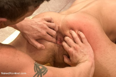 """Photo number 10 from Jessie """"Cut-Throat"""" Colter vs Jeremy """"Stonewall"""" Stevens  <br /> The Muscle Match! shot for Naked Kombat on Kink.com. Featuring Jeremy Stevens and Jessie Colter in hardcore BDSM & Fetish porn."""