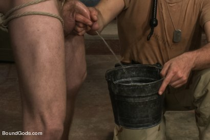 Photo number 7 from Hikers or Spies - The audience hands out the verdict shot for Bound Gods on Kink.com. Featuring Morgan Black, Leo Forte, Van Darkholme, Sebastian Keys, John Jammen and Scratch in hardcore BDSM & Fetish porn.