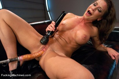 Photo number 3 from Cock Bending Pussy of Steel to Go w/Her Guns and Abs: Welcome Ariel X! shot for Fucking Machines on Kink.com. Featuring Ariel X in hardcore BDSM & Fetish porn.