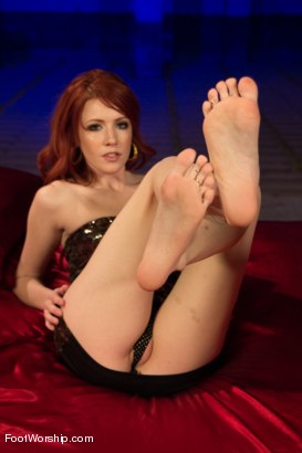 Photo number 2 from An Uninhibited Lesbian Foot Fetish Fantasy shot for Foot Worship on Kink.com. Featuring Natalia Starr and Elle Alexandra in hardcore BDSM & Fetish porn.