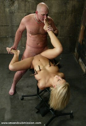 Photo number 11 from Mia Bangg and Mark Davis shot for Sex And Submission on Kink.com. Featuring Mia Bangg and Mark Davis in hardcore BDSM & Fetish porn.