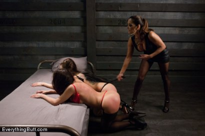 Photo number 3 from Latina Anal Sluts shot for Everything Butt on Kink.com. Featuring Francesca Le , Yurizan Beltran and Aleksa Nicole in hardcore BDSM & Fetish porn.