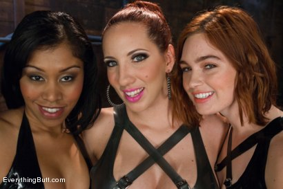 Photo number 15 from Anal Sluts: Jodi Taylor and Yasmine de Leon shot for Everything Butt on Kink.com. Featuring Kelly Divine, Yasmine de Leon and Jodi Taylor in hardcore BDSM & Fetish porn.