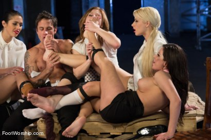 Photo number 6 from Reservoir Paws: 8 Feet and 40 Toes shot for Foot Worship on Kink.com. Featuring Brooklyn Lee, Aleksa Nicole, Anna Morna, Alan Stafford and Anikka Albrite in hardcore BDSM & Fetish porn.