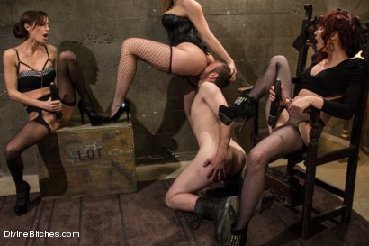 Photo number 4 from Milked To The Very Last Drop! shot for Divine Bitches on Kink.com. Featuring Maitresse Madeline Marlowe , Gia DiMarco, Chanel Preston and Jesse Carl in hardcore BDSM & Fetish porn.