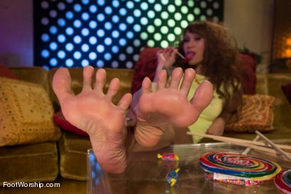 Photo number 11 from Footsie Footsie Bang Bang: A Lesbian Foot Bang! shot for Foot Worship on Kink.com. Featuring Lorelei Lee, DragonLily, Kirsten Price, Ashley Fires and Francesca Le in hardcore BDSM & Fetish porn.