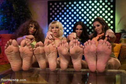 Photo number 2 from Footsie Footsie Bang Bang: A Lesbian Foot Bang! shot for Foot Worship on Kink.com. Featuring Lorelei Lee, DragonLily, Kirsten Price, Ashley Fires and Francesca Le in hardcore BDSM & Fetish porn.