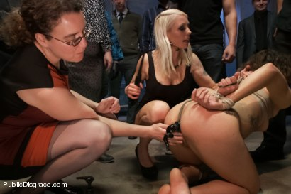Photo number 4 from Amateur with Big Ass gets Disgraced shot for Public Disgrace on Kink.com. Featuring Bianca Stone and Lorelei Lee in hardcore BDSM & Fetish porn.