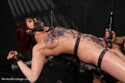 Photo number 3 from Mz Berlin vs Odile shot for Device Bondage on Kink.com. Featuring Mz Berlin and Odile in hardcore BDSM & Fetish porn.