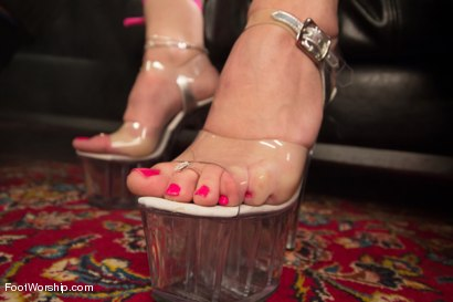 Photo number 15 from Foot Fetish In The Champagne Room  shot for Foot Worship on Kink.com. Featuring Ryan Driller and Sarah Vandella in hardcore BDSM & Fetish porn.