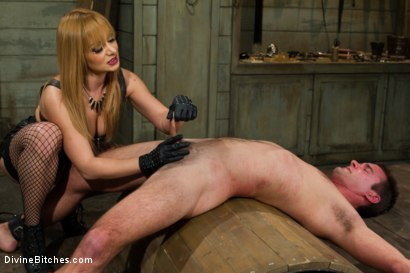 Photo number 15 from Small Penis Humiliation Cuckold shot for Divine Bitches on Kink.com. Featuring Lea Lexis, Wolf Hudson and Cameron Kincade in hardcore BDSM & Fetish porn.