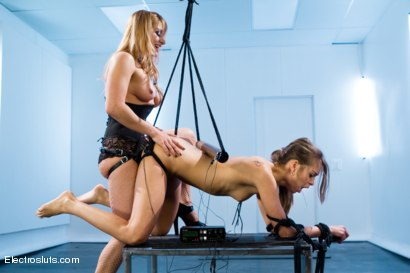 Photo number 5 from Riley Reid Yearns for Electrosex, Lea wants her complete devotion shot for Electro Sluts on Kink.com. Featuring Riley Reid and Lea Lexis in hardcore BDSM & Fetish porn.