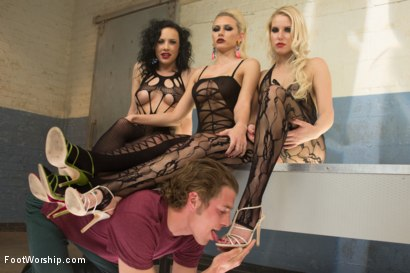 Photo number 5 from Foot Fucking Fetish Foursome shot for Foot Worship on Kink.com. Featuring Katie Summers, Vanessa Cage, Chris Johnson and Katie St. Ives in hardcore BDSM & Fetish porn.