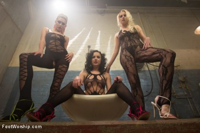 Photo number 2 from Foot Fucking Fetish Foursome shot for Foot Worship on Kink.com. Featuring Katie Summers, Vanessa Cage, Chris Johnson and Katie St. Ives in hardcore BDSM & Fetish porn.