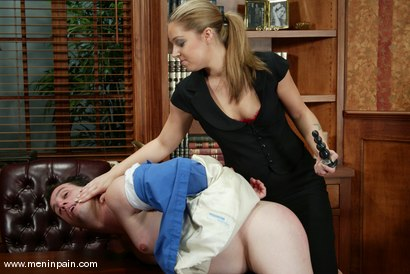 Photo number 2 from mini, Hollie Stevens and Bridgett Harrington shot for Men In Pain on Kink.com. Featuring mini, Hollie Stevens and Bridgett Harrington in hardcore BDSM & Fetish porn.