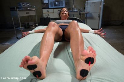 Photo number 12 from Caged Feet: A Women In Prison Footsploitation Film! shot for Foot Worship on Kink.com. Featuring Audrey Hollander, Katja Kassin, Ariel X and Katie Summers in hardcore BDSM & Fetish porn.