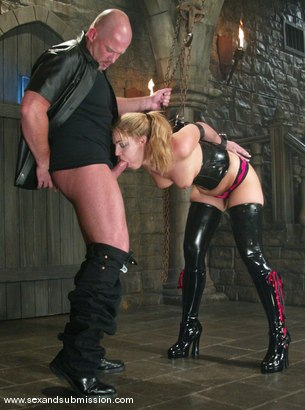 Photo number 8 from Hollie Stevens and Mark Davis shot for Sex And Submission on Kink.com. Featuring Hollie Stevens and Mark Davis in hardcore BDSM & Fetish porn.