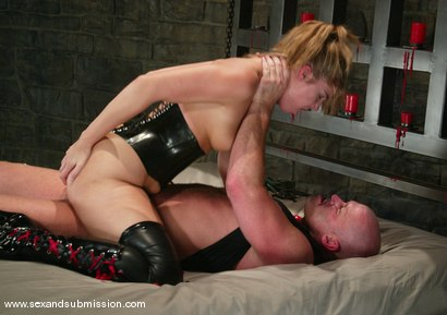 Photo number 14 from Hollie Stevens and Mark Davis shot for Sex And Submission on Kink.com. Featuring Hollie Stevens and Mark Davis in hardcore BDSM & Fetish porn.
