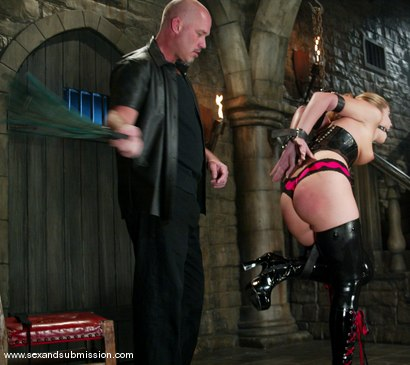 Photo number 5 from Hollie Stevens and Mark Davis shot for Sex And Submission on Kink.com. Featuring Hollie Stevens and Mark Davis in hardcore BDSM & Fetish porn.