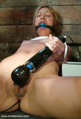 Photo number 4 from Kat shot for Wired Pussy on Kink.com. Featuring Kat in hardcore BDSM & Fetish porn.