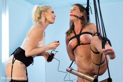 Photo number 6 from Ariel X is BACK!! shot for Electro Sluts on Kink.com. Featuring Lorelei Lee and Ariel X in hardcore BDSM & Fetish porn.