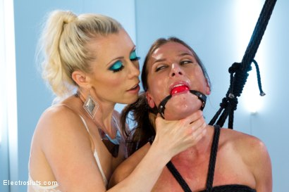 Photo number 7 from Ariel X is BACK!! shot for Electro Sluts on Kink.com. Featuring Lorelei Lee and Ariel X in hardcore BDSM & Fetish porn.