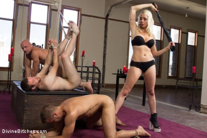 Photo number 5 from Lorelei Lee's Slave Competition shot for Divine Bitches on Kink.com. Featuring Lorelei Lee, Jesse Carl, Connor Patricks and Chad Rock in hardcore BDSM & Fetish porn.