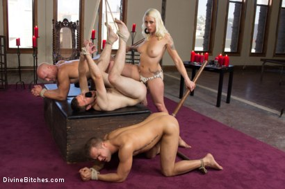 Photo number 6 from Lorelei Lee's Slave Competition shot for Divine Bitches on Kink.com. Featuring Lorelei Lee, Jesse Carl, Connor Patricks and Chad Rock in hardcore BDSM & Fetish porn.