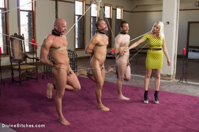 Photo number 11 from Lorelei Lee's Slave Competition shot for Divine Bitches on Kink.com. Featuring Lorelei Lee, Jesse Carl, Connor Patricks and Chad Rock in hardcore BDSM & Fetish porn.