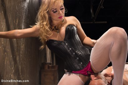 Photo number 7 from Romanian Princess Lea Lexis shot for Divine Bitches on Kink.com. Featuring Lea Lexis and Robert Axel in hardcore BDSM & Fetish porn.