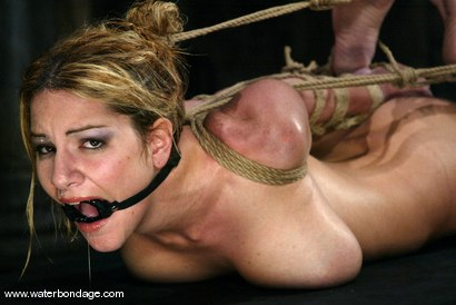 Photo number 6 from Jenni Lee shot for Water Bondage on Kink.com. Featuring Jenni Lee in hardcore BDSM & Fetish porn.