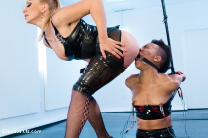 Photo number 9 from Exotic Sex Pot, Nikki, Feels Electrosex for the 1st Time!! shot for Electro Sluts on Kink.com. Featuring Lea Lexis and Nikki Darling in hardcore BDSM & Fetish porn.