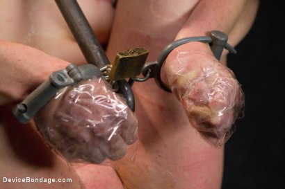 Photo number 9 from Siouxsie Q vs Claire Adams shot for Device Bondage on Kink.com. Featuring Siouxsie Q in hardcore BDSM & Fetish porn.