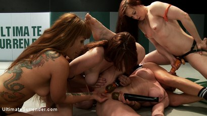 Photo number 6 from Biggest loser Gang Bang. Darling gets fucked by her own team mate shot for Ultimate Surrender on Kink.com. Featuring DragonLily, Bella Rossi, Cheyenne Jewel and Dee Williams in hardcore BDSM & Fetish porn.