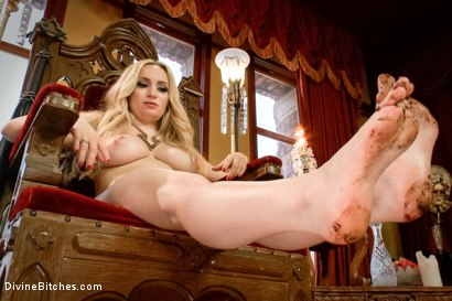Photo number 5 from BONUS update! Bitchy Dirty Feet!  shot for Divine Bitches on Kink.com. Featuring Aiden Starr in hardcore BDSM & Fetish porn.