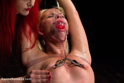 Photo number 1 from Tara Lynn Foxx - Complete Edited Live Show shot for Device Bondage on Kink.com. Featuring Elizabeth Thorn, Tara Lynn Foxx and Mz Berlin in hardcore BDSM & Fetish porn.