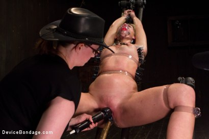 Photo number 15 from Tara Lynn Foxx - Complete Edited Live Show shot for Device Bondage on Kink.com. Featuring Elizabeth Thorn, Tara Lynn Foxx and Mz Berlin in hardcore BDSM & Fetish porn.