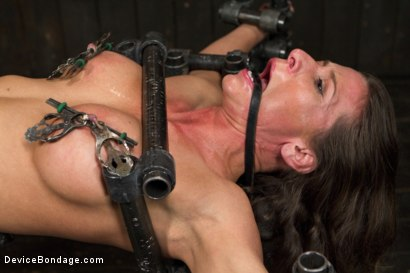 Photo number 9 from Beauty and the Beast shot for Device Bondage on Kink.com. Featuring Ariel X and Orlando in hardcore BDSM & Fetish porn.