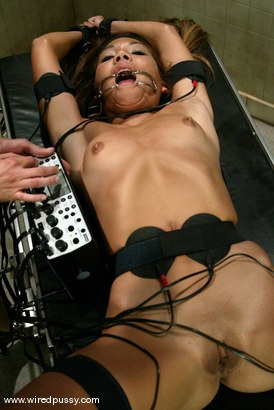 Photo number 2 from Keeani Lei shot for Wired Pussy on Kink.com. Featuring Keeani Lei in hardcore BDSM & Fetish porn.