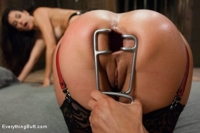 Photo number 5 from Anal Sluts: India Summer and Kirsten Price shot for Everything Butt on Kink.com. Featuring Francesca Le, Kirsten Price and India Summer in hardcore BDSM & Fetish porn.