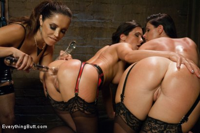 Photo number 3 from Anal Sluts: India Summer and Kirsten Price shot for Everything Butt on Kink.com. Featuring Francesca Le , Kirsten Price and India Summer in hardcore BDSM & Fetish porn.